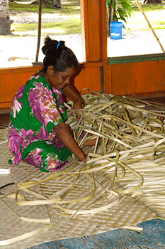 Weaving a floor mat